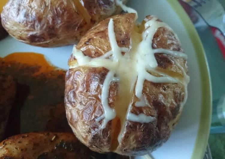 Jacket potato (héjában sült krumpli)