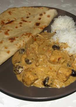 Korma curry vajas naannal és basmati rizzsel