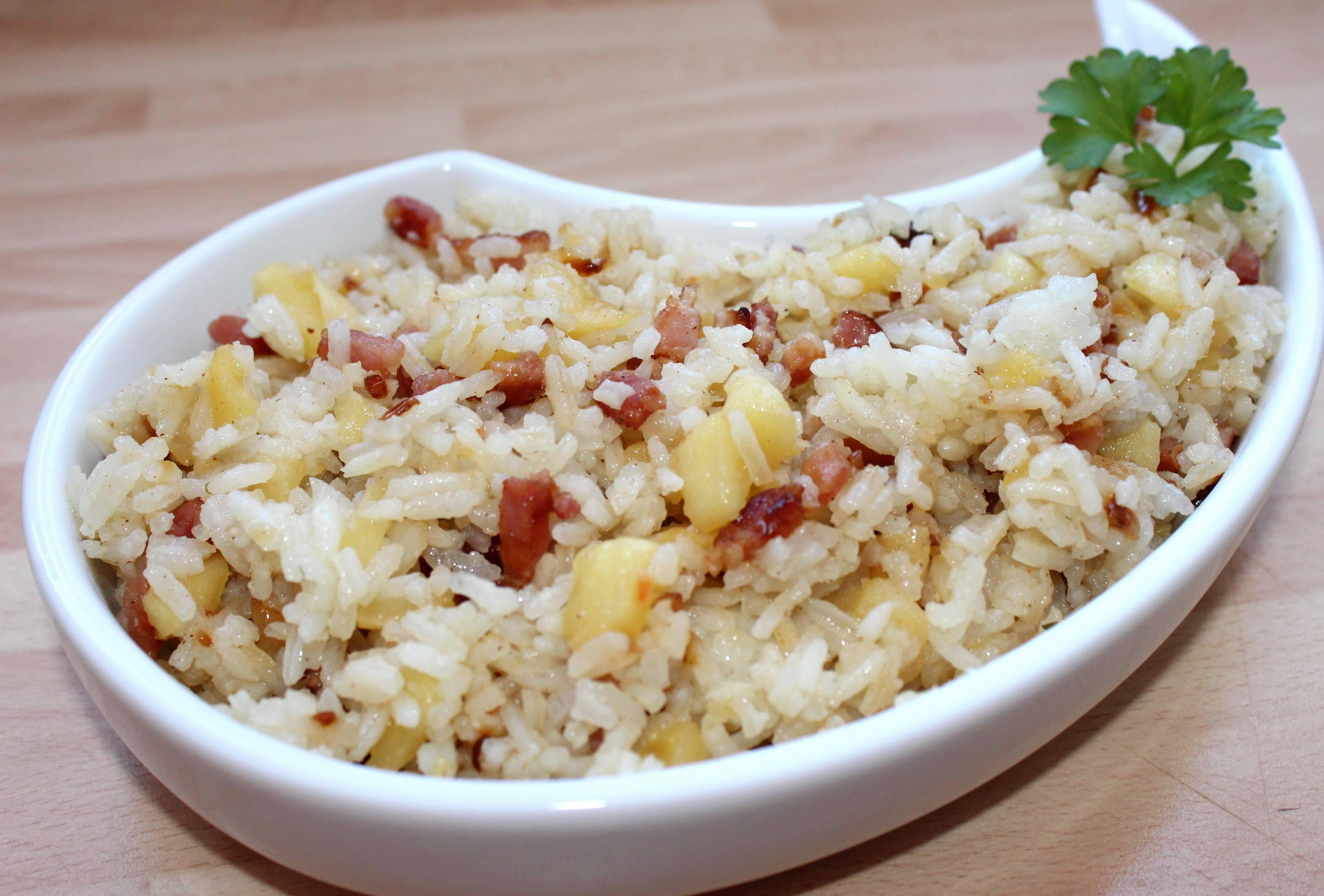 Almás-baconös rizs recept főfotó
