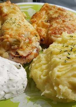 """Rakott, fűszeres csirkemell, krumplipüré, a kedvenc """"mártogatóssal"""""""