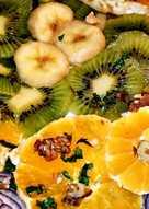 Üdítő gyümölcssaláta lilahagymával télen