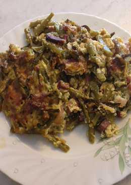 Rakott zöldbab, bacon szalonnával, házi kolbásszal