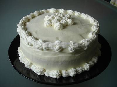 Fehércsokoládés-karamelles torta