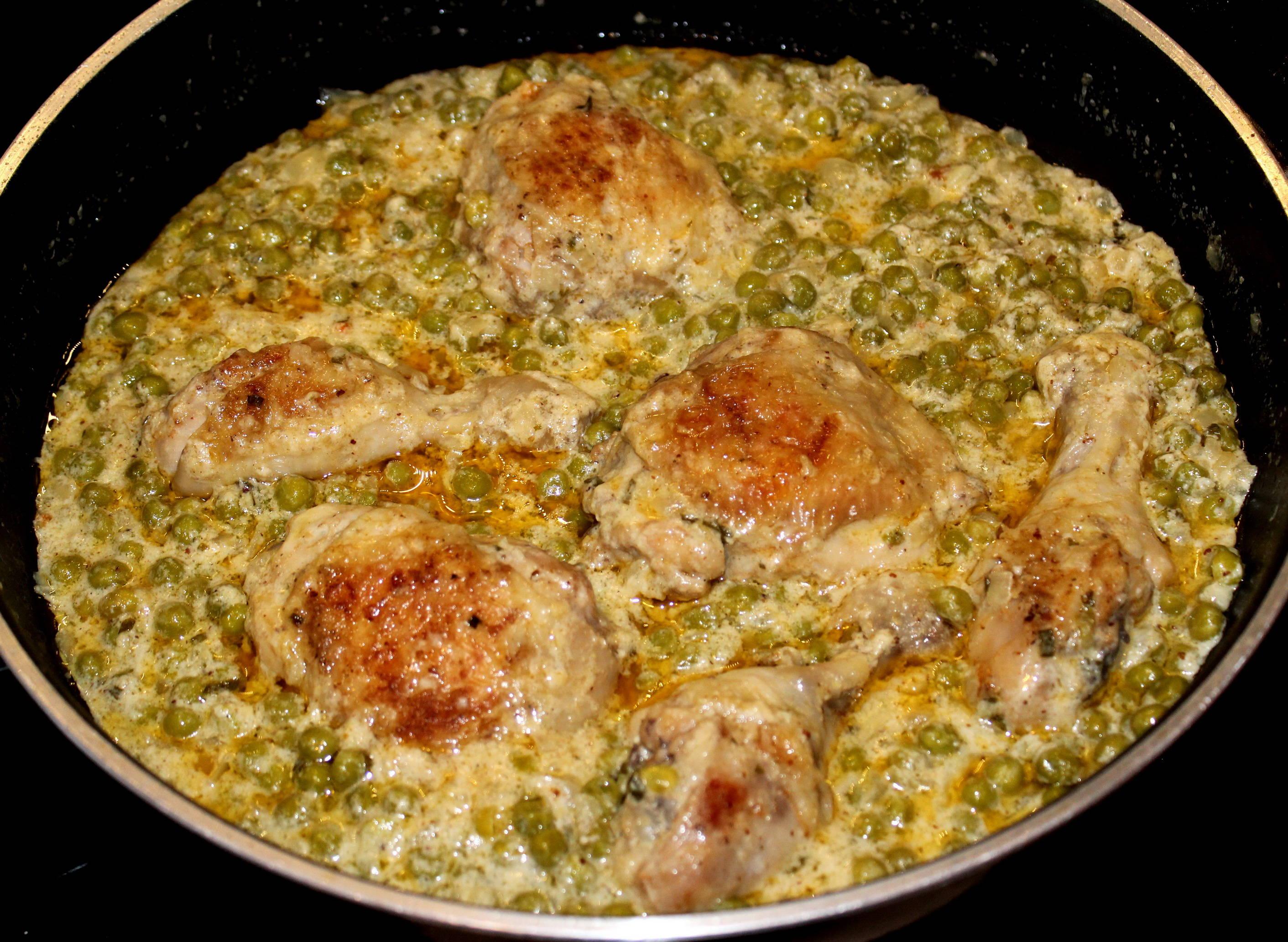 Krémes zöldborsós csirkecomb recept főfotó