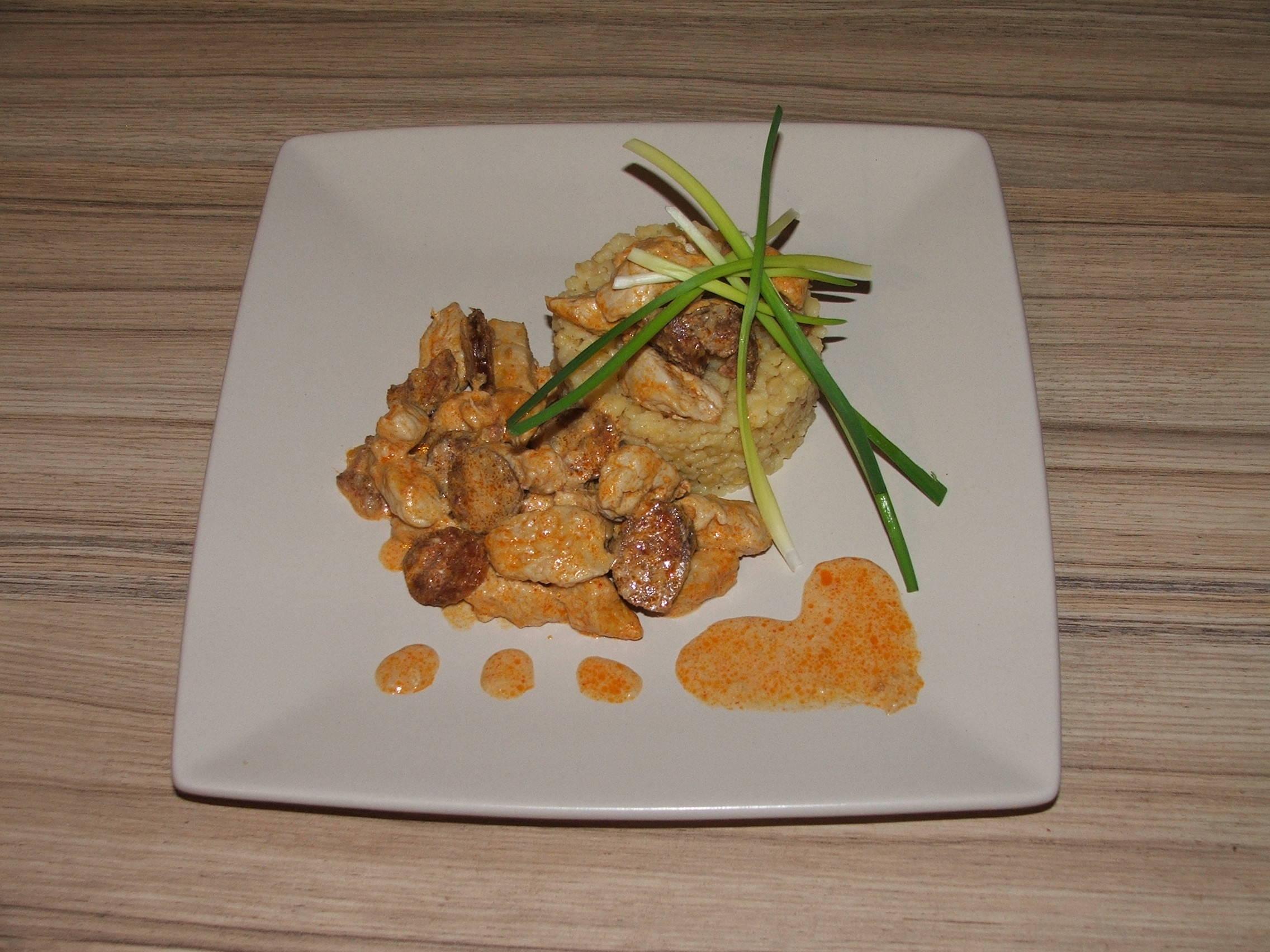 Csabai kolbászos pulykamell recept főfotó