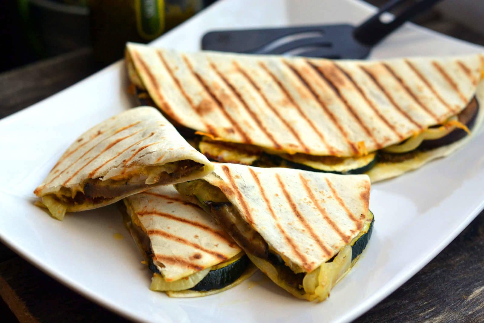Grillezett zöldséges quesadilla recept főfotó