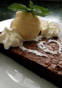 Csokoládétorta vanília jégkrémmel