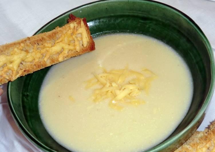 Karfiol krémleves recept, sajtos pirítóssal