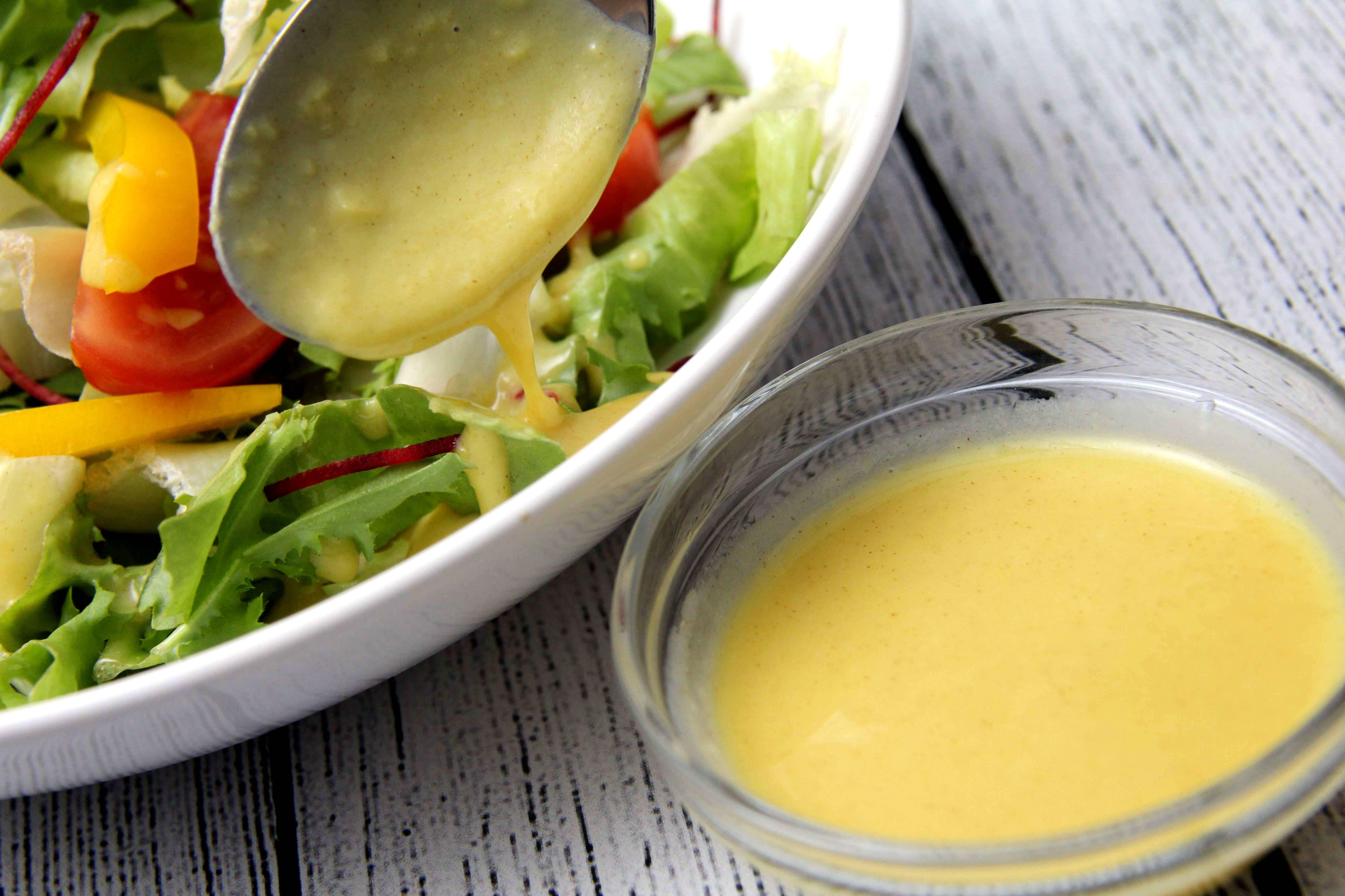 Mézes-mustáros salátaöntet recept főfotó