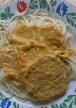 Karaj vadas mártással, spagettivel