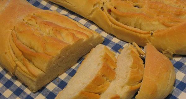 Pan de Hojaldre – valenciai olívás kenyér recept főfotó