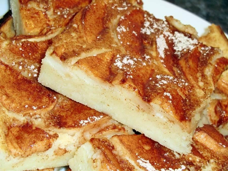 Almás palacsinta tepsiben recept főfotó