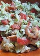 Csirke-garnélarák saláta