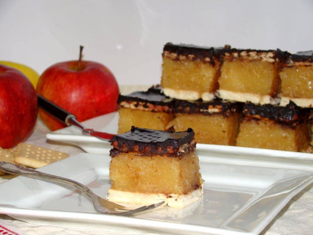 Kekszes almás süti recept főfotó