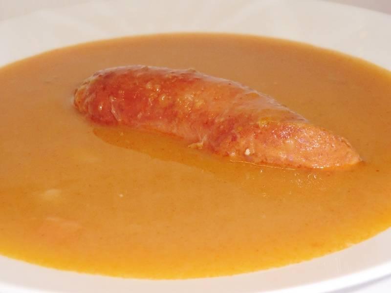 Sárgaborsó leves recept kolbásszal  főfotó