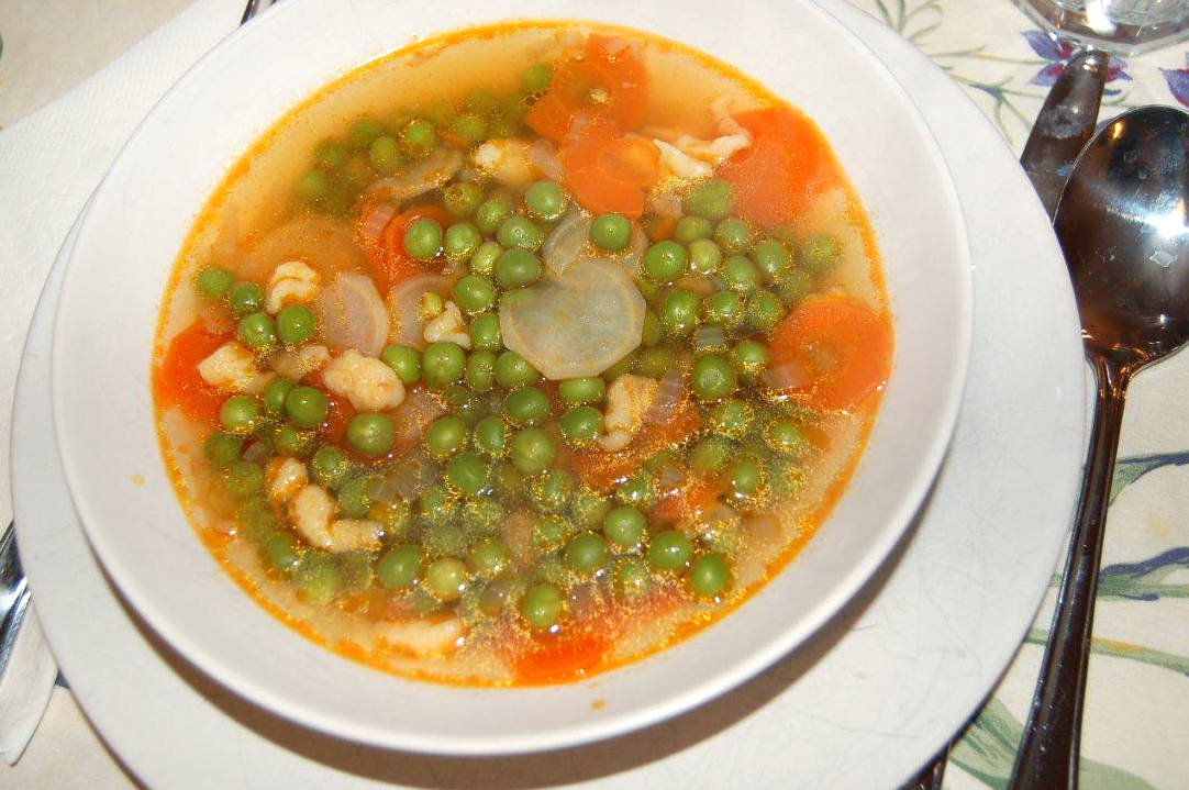 Zöldborsó leves recept főfotó