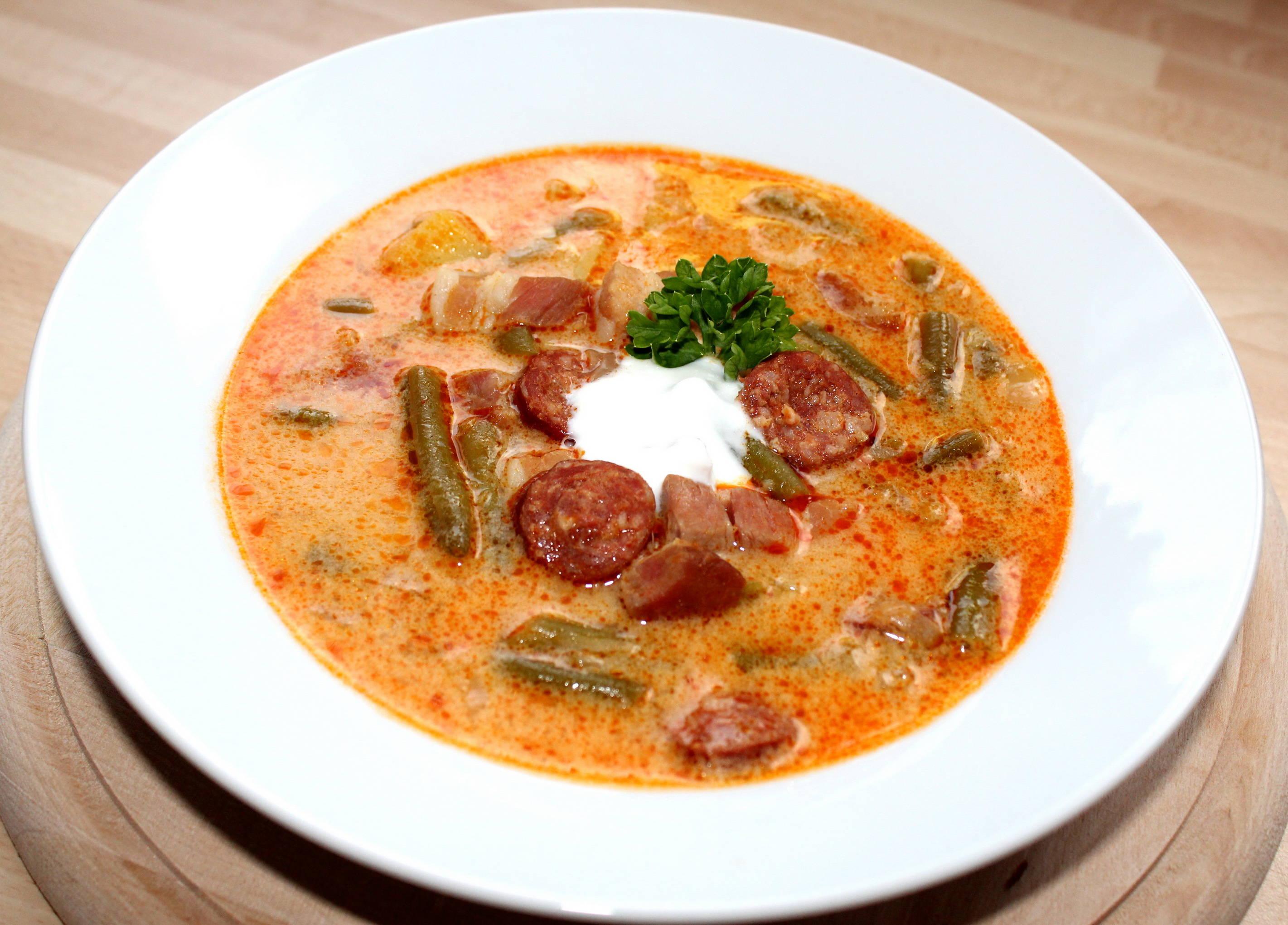 Magyaros zöldbableves recept főfotó