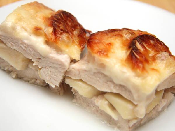 Almás-tejszínes rakott csirkemell