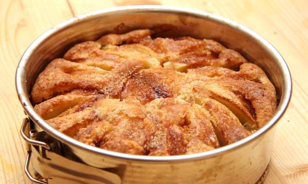Norvég almatorta recept főfotó