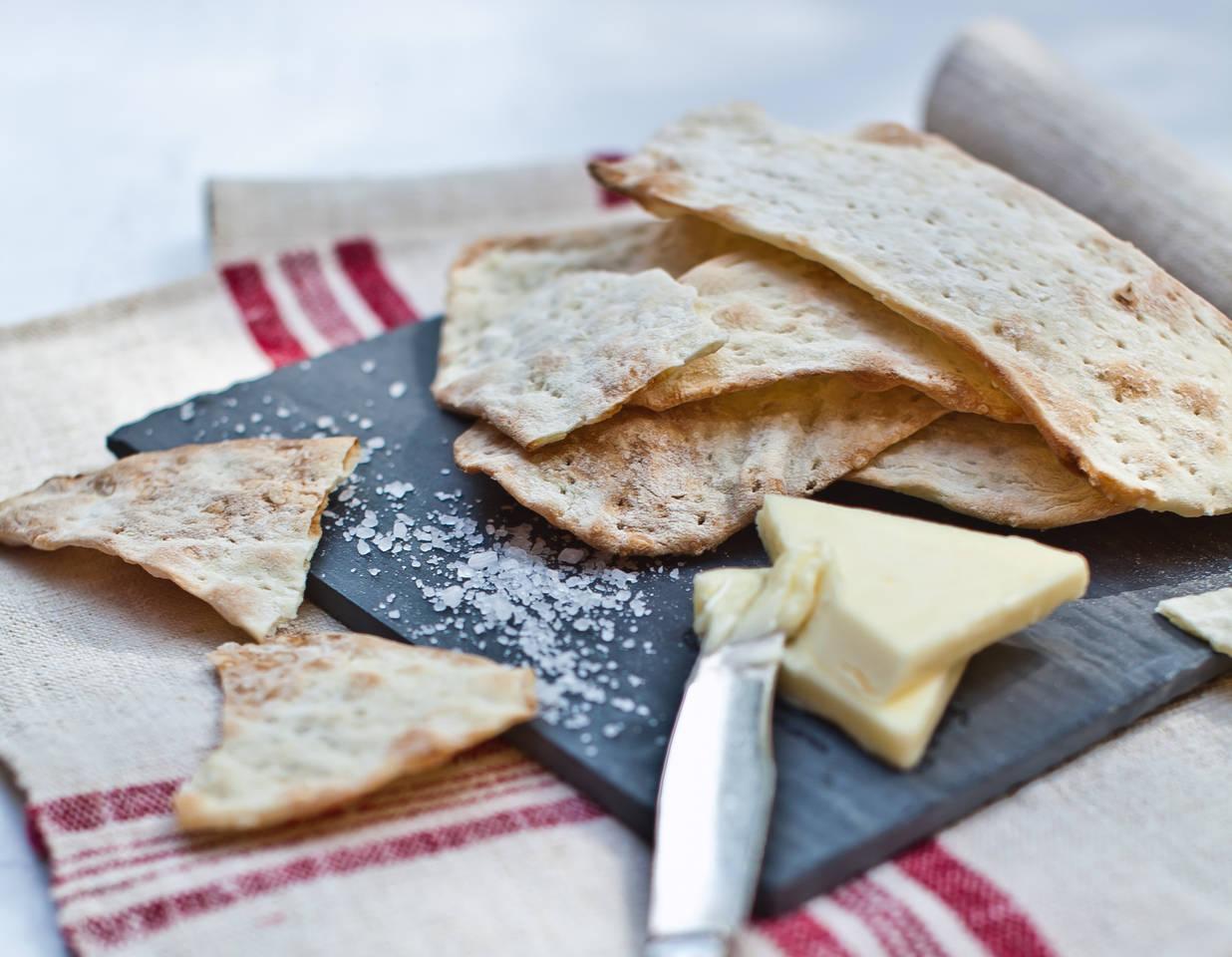 Házi, sós macesz/pászka recept főfotó