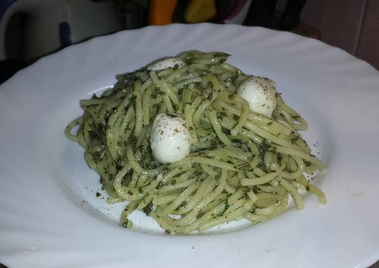Spenótos spagetti mozzarellával