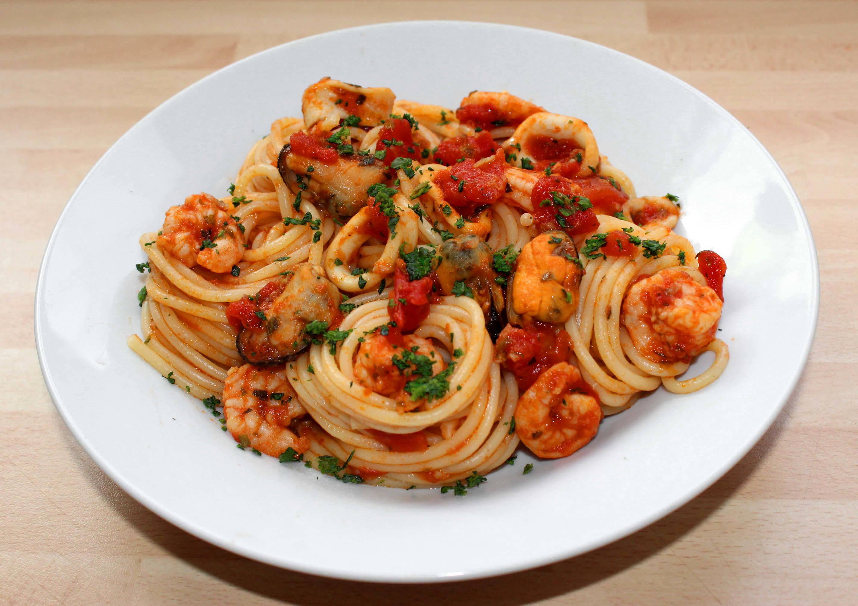 Tenger gyümölcsei spagetti recept főfotó