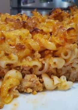 Tepsis, húsos-sajtos tészta