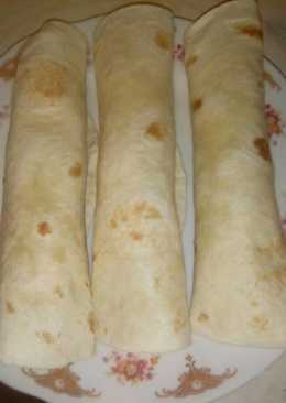 Gyros, salátával tortillával