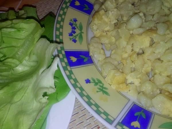 Egyszerű tojásos nokedli, salátával