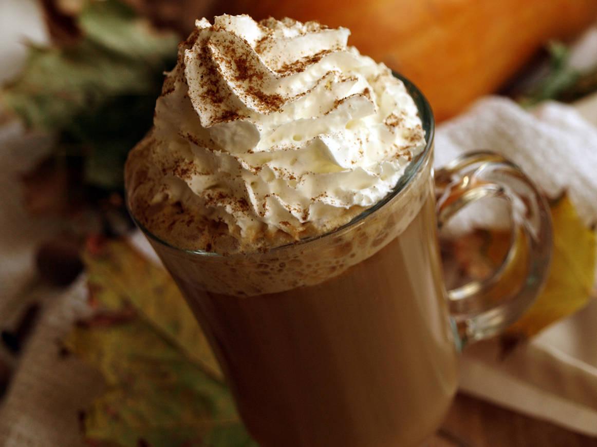 Sütőtökös fűszeres latte recept főfotó