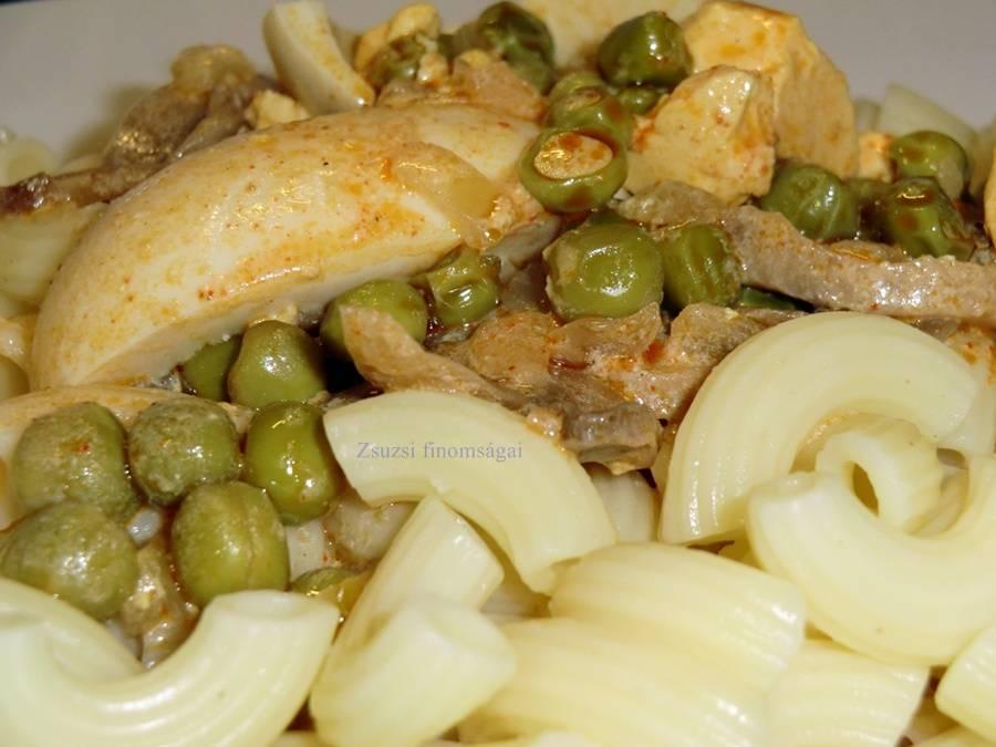 Gomba-borsó-tojás pörkölt recept főfotó