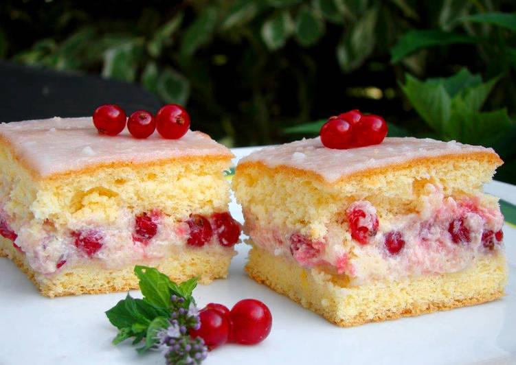 Grízes gyümölcsös süti