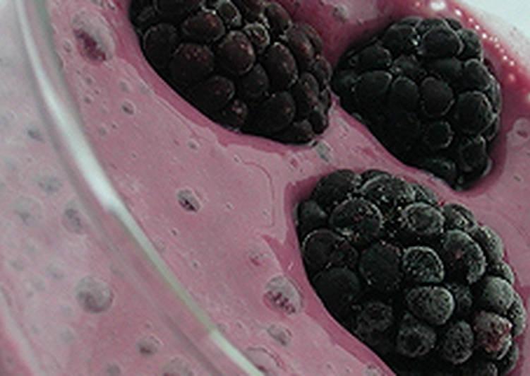 Erdeigyümölcsös - tofukrémes turmix