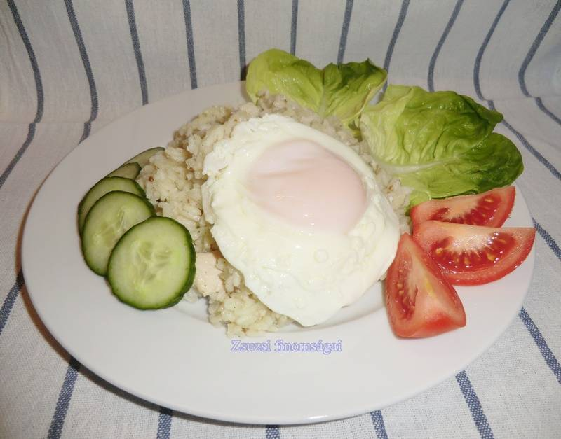 Csirkehúsos sült rizs tükörtojással főfotó