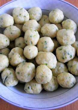 Zöldfűszeres burgonyagombóc