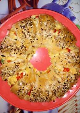 Sajtos-tojásos-baconos tésztakoszorú