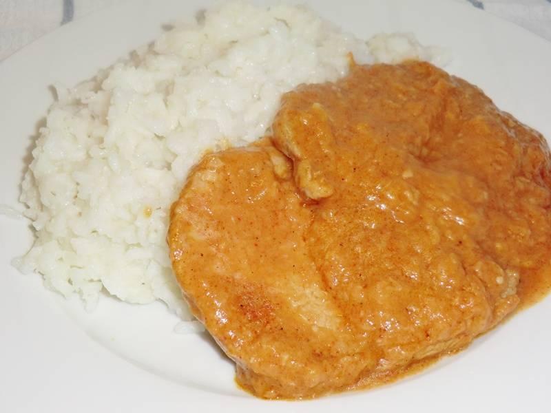 Fokhagymás hús recept, párolt rizzsel főfotó