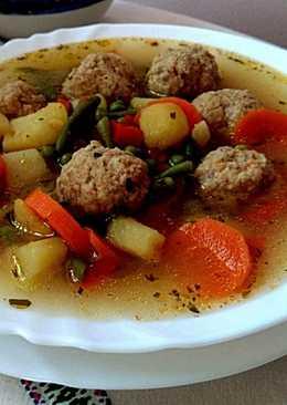 Tárkonyos zöldségleves, húsgombóccal