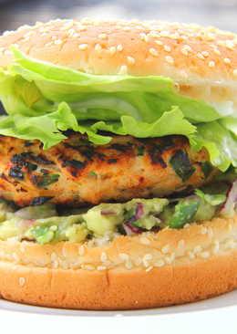 Cheddar-jalapeno csirke burger