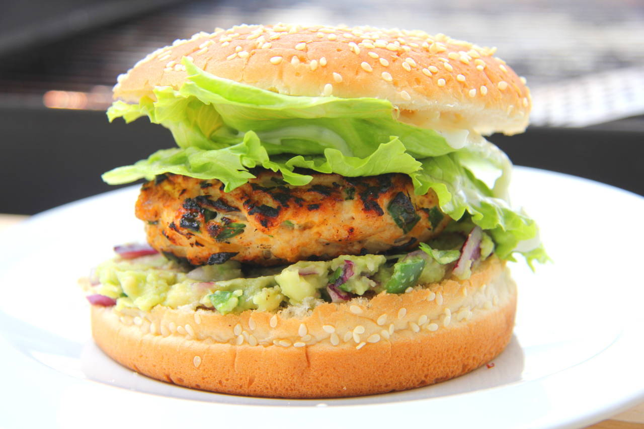 Cheddar-jalapeno csirke burger recept főfotó