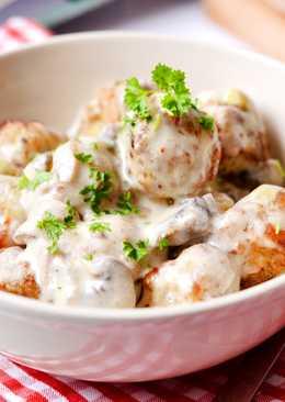 Húsgolyók gombás-fehérboros szósszal