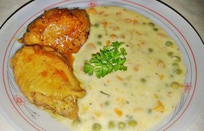 Finomfőzelék sült csirkecombbal