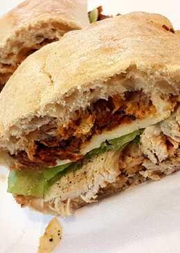 Házi paradicsomos pesztós Caprese szendvics