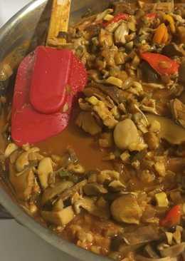 Fűszeres kenyérfa curry mártásban