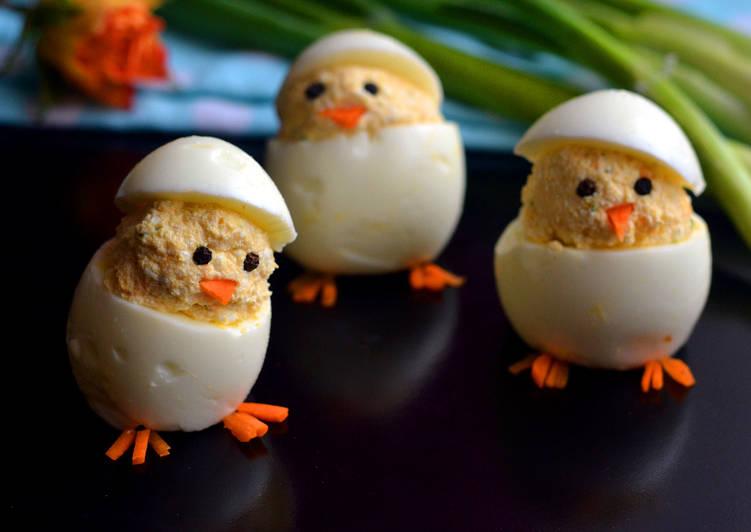 """Túrókrémmel töltött tojás """"csibe"""""""