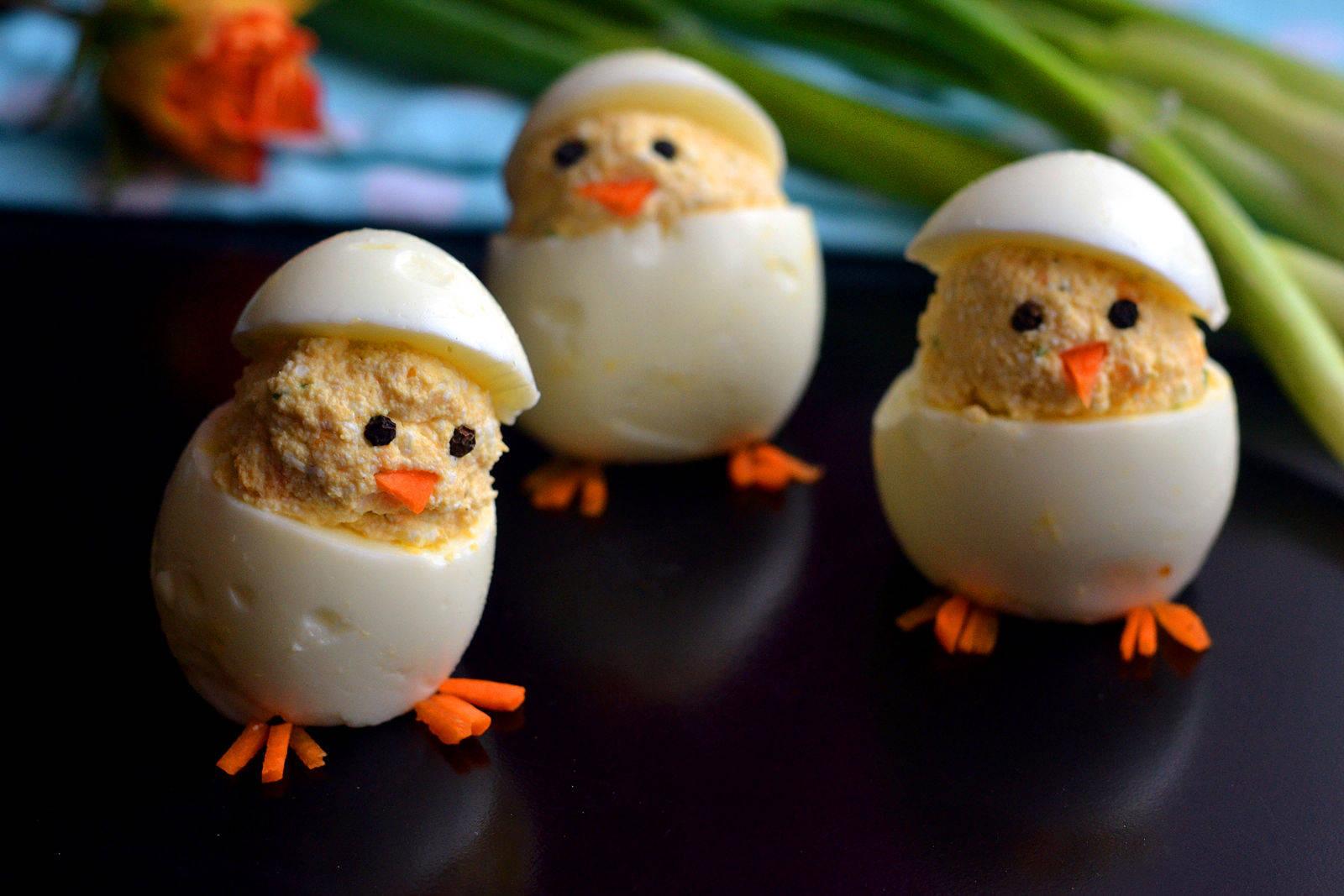 """Túrókrémmel töltött tojás """"csibe"""" recept főfotó"""