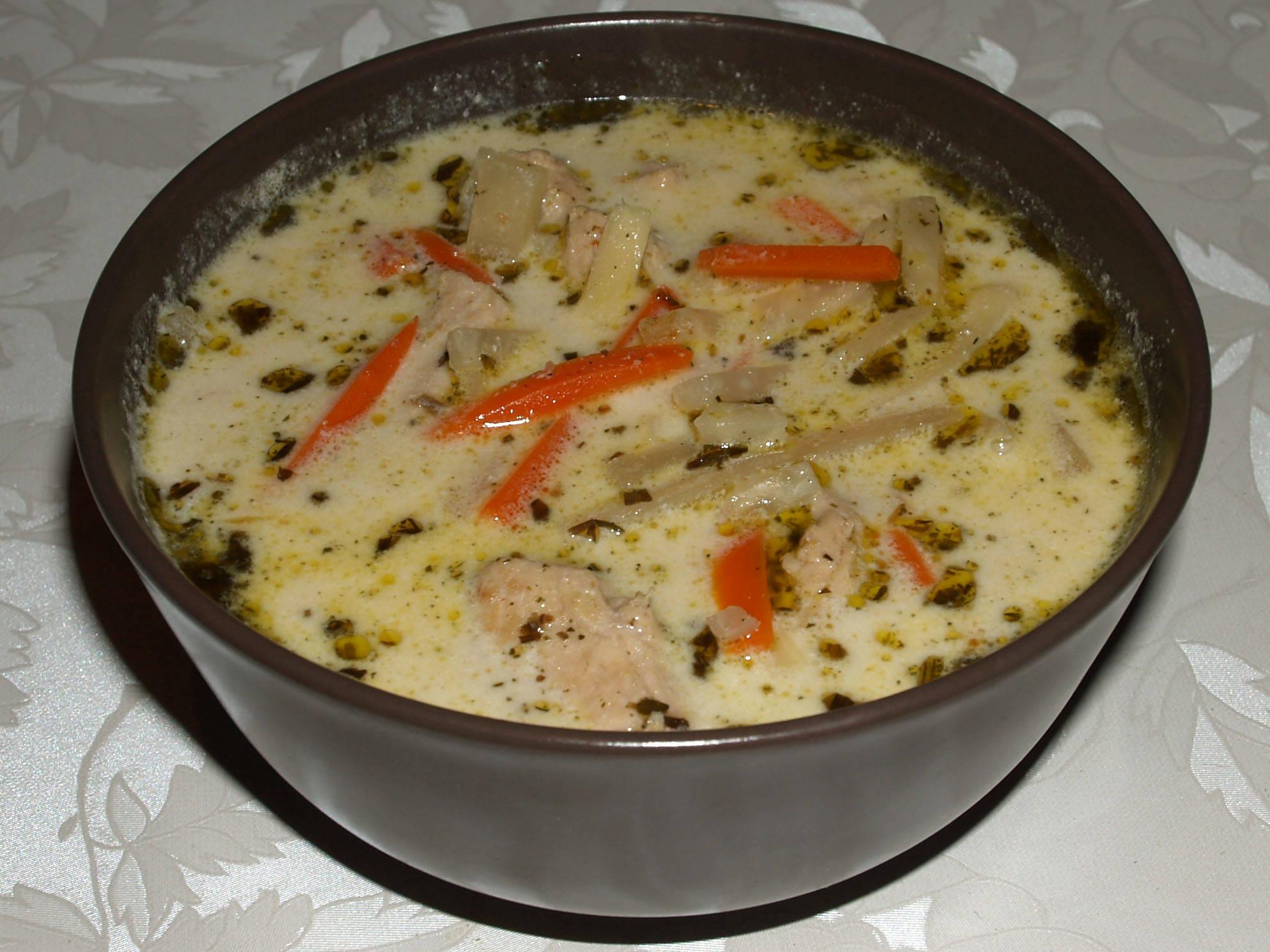 Tárkonyos pulykaraguleves zöldségekkel recept főfotó