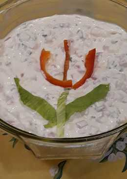 Majonézes sonkás-camambert saláta