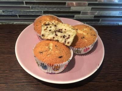Joghurtos, kuglóf muffin, köntösben