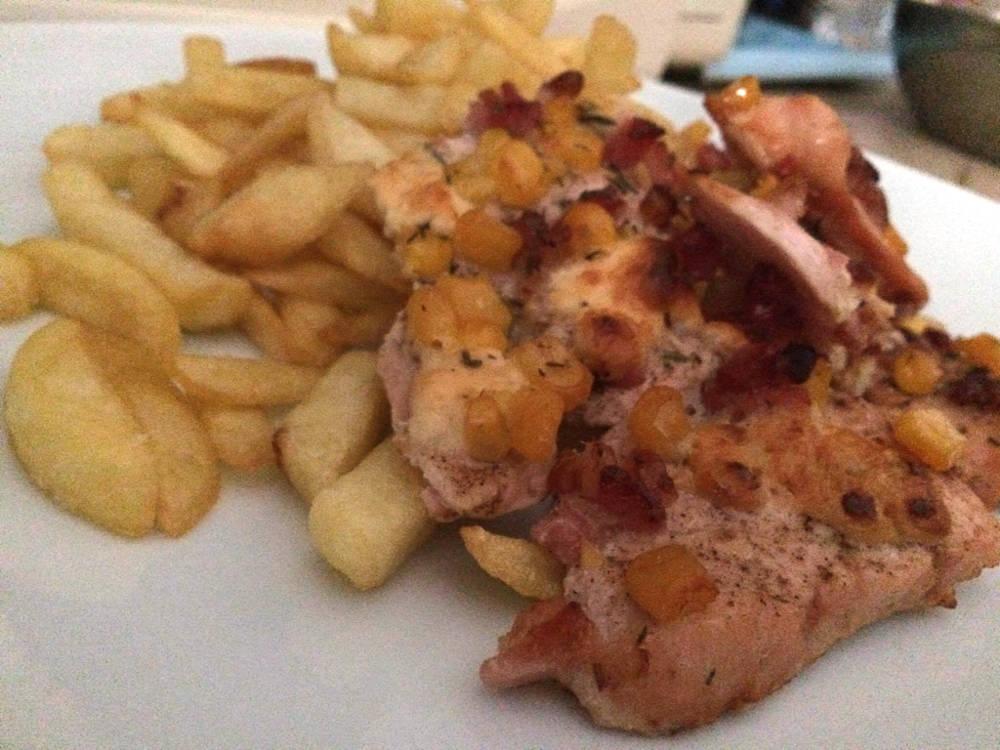Juhtúrós baconös kakukkfüves csirkemell főfotó